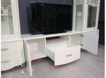 Тумба под телевизор София МН-025-16